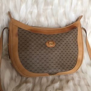 Gucci Leather authentic  100% all leather inside
